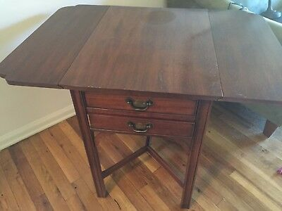 END TABLE Solid Cherry Drop Leaf Henkel-Harris High Quality