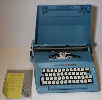 VINTAGE COMPLETE 1970s RETRO BLUE SMITH CORONA COURIER C/T MANUAL TYPEWRITER