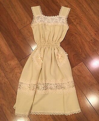 Vintage 1960s Girls Lace dress in ivory- size 6-12