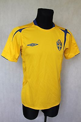 UMBRO SWEDEN FOOTBALL NATIONAL TEAM 2005 / 2006 HOME JERSEY SHIRT sz M MEDIUM