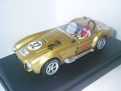 1:24 CARTRONIC Golden Cobra Item no. 31019