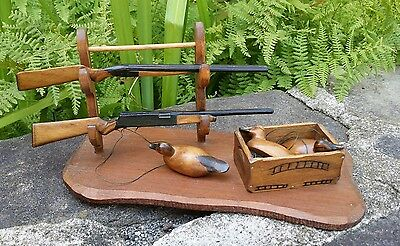 DAVE STAVELY 79' MINIATURE DUCK DECOYS w/pr. SHOTGUNS ON STAND & CRATE EASTON MD