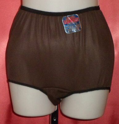 ~ DARING VINTAGE 1950's Sassy Ultra Sheer Black 100% Nylon Tailored Panties M 6