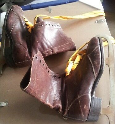 Pair Vintage Leather Ice Skates~ No Reserve...