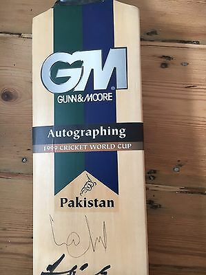 Autographed Cricket Bat - Entire 1999 Pakistan World Cup Team