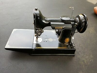 singer feather weight portable sewing machine model 221