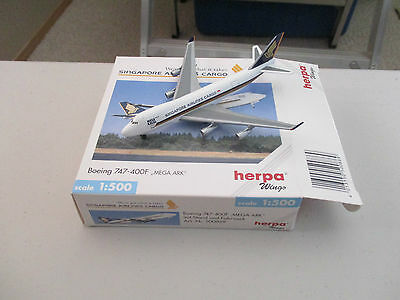 Herpa Wings   500869 Singapore Airlines Boeing 747-400F  Version 3