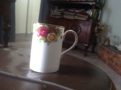 A genuine Royal Albert mug  English Bone China A Perfect Xmas Gift