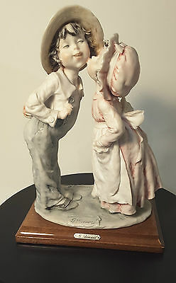 Giuseppe ARMANI Capodimonte Figurine - SHY KISS 1982 - Lovely Boy & Girl