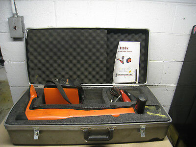 Metrotech 810Dx Underground Pipe Cable Locator Transmitter Receiver Leads & Case