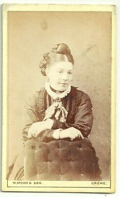 Victorian cdv photo young lady arms folded Crewe  photographer