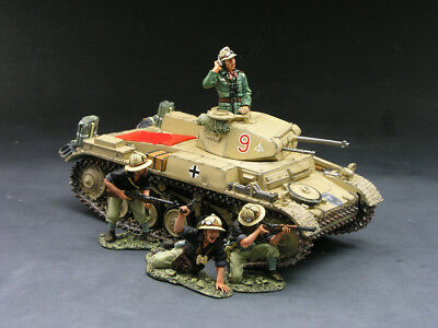 King and Country AK030 Panzer II Tank with Italians RETIRED
