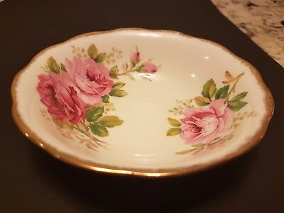 "Four Vintage Royal Albert ""american Beauty"" Desert Dishes 5 1/4 Inches"