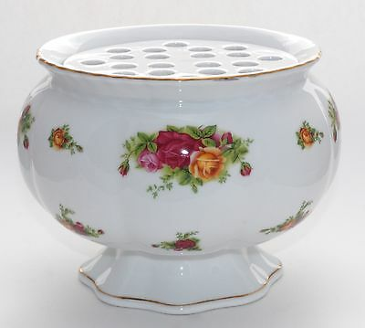 Huge! Royal Albert OLD COUNTRY ROSES Vase with Flower Frog Insert - VGC