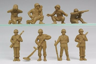 COLLECTION of MARX ORIGINAL 1950's US GI's in TRAINING OLIVE GREEN PLASTIC 60mm