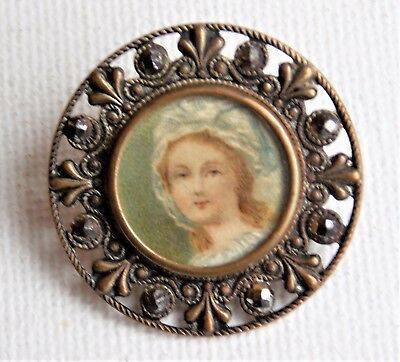 RARE ANTIQUE VICTORIAN Button French HAND PAINTED UNDER GLASS- A P & Cie PARIS