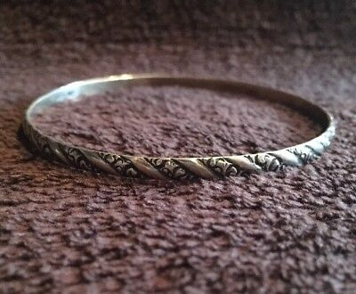 Sterling Silver Swirl Design Bangle- 7.6 Grams
