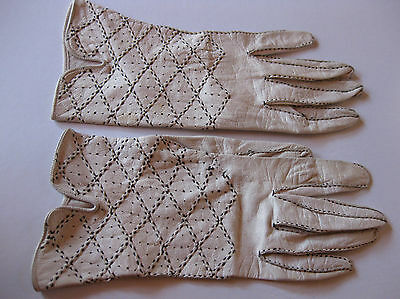 VINTAGE KID LEATHER GLOVES, cream with black stitching, size 7