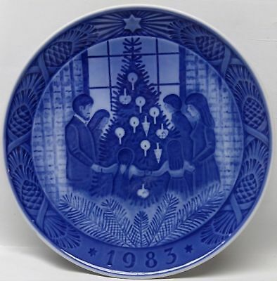 Royal Copenhagen Christmas Plate 1983 - Merry Christmas