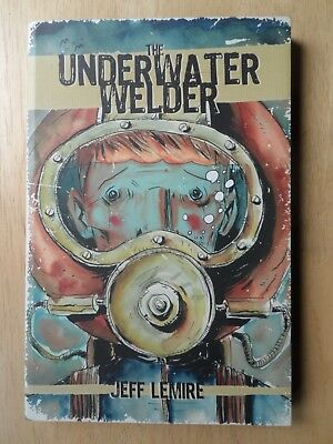 THE UNDERWATER WELDER - TPB  Graphic Novel - Jeff Lemire