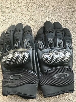 Tactical Gloves - copies of a well known make