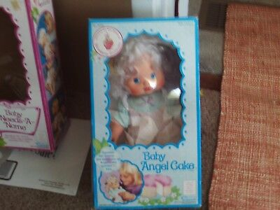 Kenner Toy's Strawberry Shortcake's Friend Baby Angel Cake Blow Kiss Doll  #1