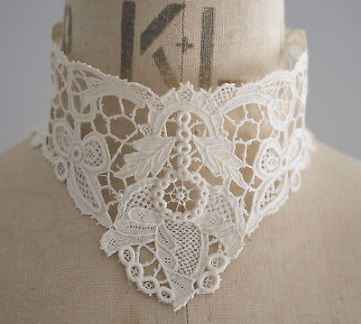 Antique/vintage early 20th c white Venetian needle lace stand collar