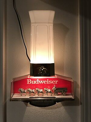 Used BUDWEISER King of Beers clydesdale lighted sign. In great condition.