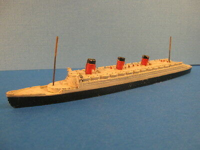 ORIGINAL DINKY TOYS PRE WAR 534 QUEEN MARY 1/1250 Scale (#ShS100)