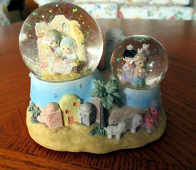 "Precious Moments ""Away in a Manger"" Snow Globes Music"