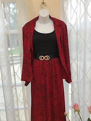 Vintage - Skirt Suit - Beautiful Styling - Fabulous Condition - Planet - Size 14