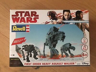 +++ Revell 06761 Star Wars Build & Play First Order Heavy Assault Walker