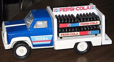 """Tonka 8"""" PEPSI-COLA Metal Delivery Truck w/ Bottle Crates VTG 1970s Complete"""