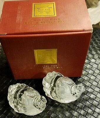 LENOX FOR THE HOLIDAYS Crystal Dove Salt & Pepper Shakers SET NEW MINT IN BOX