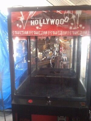 Hollywood Crane Machine  Arcade Coin Op  Repair or for parts. Play room man cave