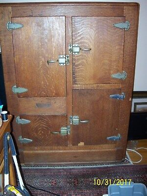 Vintage Economic Oak Ice Box 1911