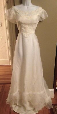 Vintage Union Made Wedding Dress Victorian Lace Ivory Floor Length Small