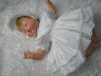 Vintage Pretty in Creme Outfit for 19-22 Inch Thumbelina