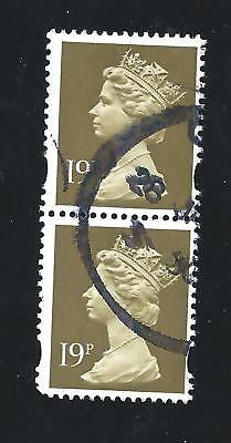 Great Britain Machin Scotts # MH 209 used Verticle Pair