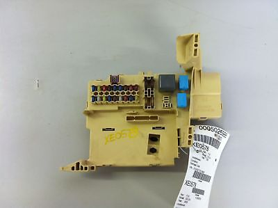 2003 Toyota Celica Under Dash Fuse Relay Junction Box Id# 8272020101