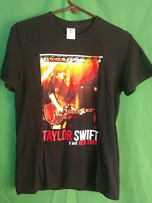 Womens (S) TAYLOR SWIFT The Red Tour SS Black Concert T-Shirt