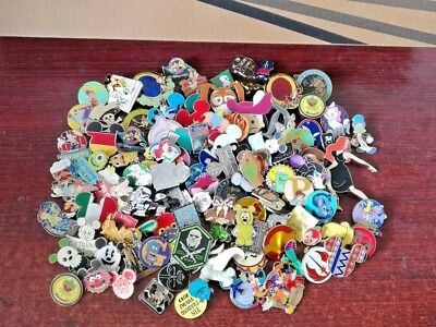 Disney  Pins lot of 50_pins  LE 3D/ MICKEY MOUSE hidden mickey lanyards