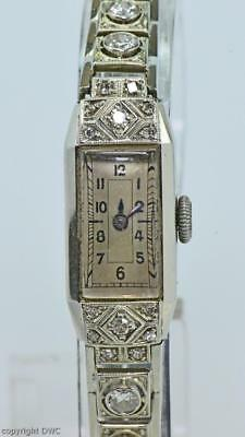 DAU Damenarmbanduhr mit Diamanten Brillanten Art Deco in 14kt. 585 Gold 1920.