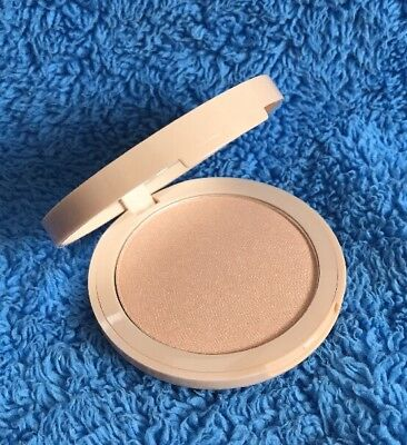 W7 Cosmetics Glowcomotion Highlighter - Dupe For Champagne Pop - MELB STOCK
