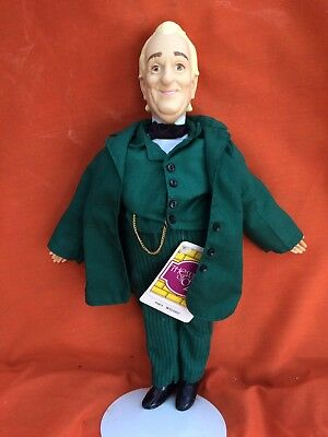 Vintage Wizard of Oz Collector Doll By Presents Of Hamilton Gifts