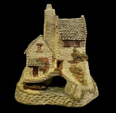"David Winter  1986 ""Tamar Cottage""  Mint in Original Box with COA"