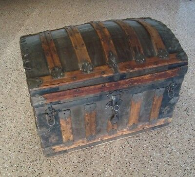 1800's Beautifully Detailed Antique Steamer Trunk Dome Top