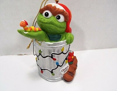 Sesame Street Collectible Oscar With Worm Gift Christmas Ornament Jim Henson**