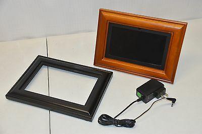 "Coby DP-768 7"" Widescreen Digital Picture Frame, Wood & Black - WORKS!"