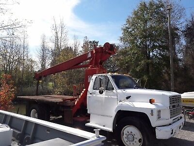 CRANE TRUCK,Ford F800  w/10 Ton Scott Midland Crane (1991) REDUCED,MAKE AN OFFER
